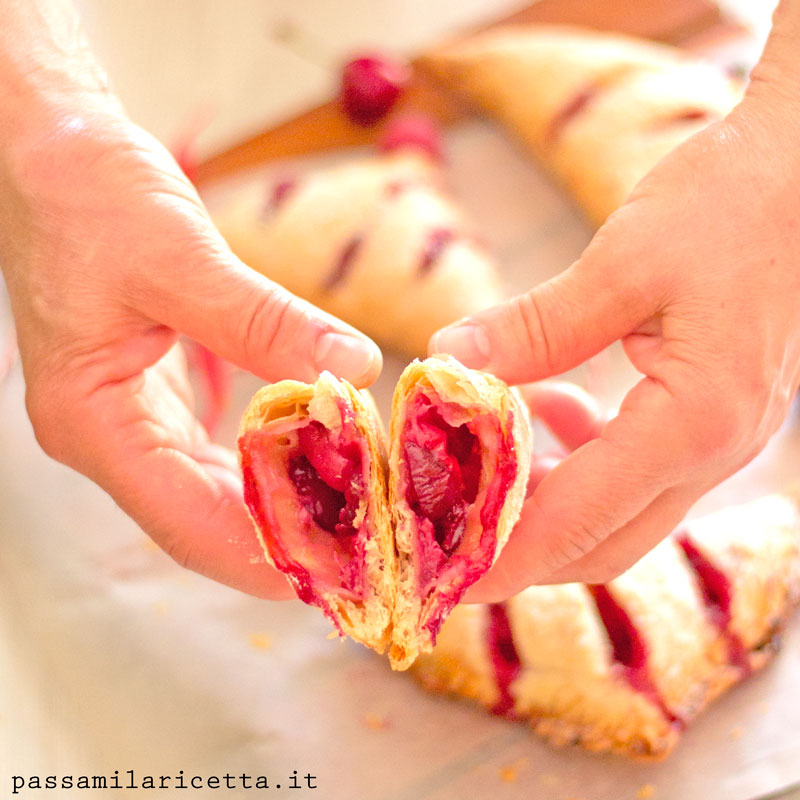 cherry turnovers sfogliatine alle ciliegie
