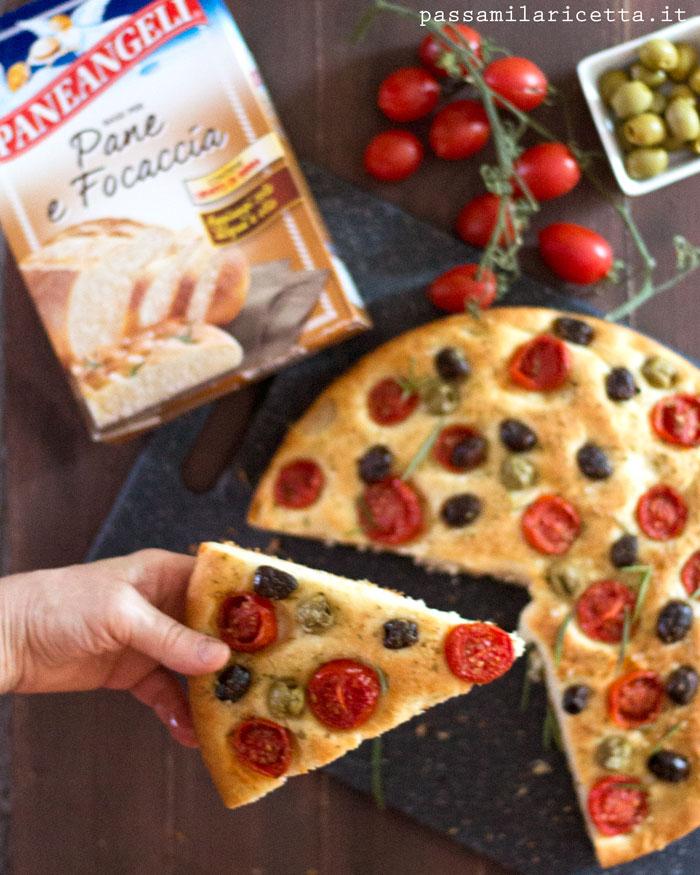 Focaccia alta e soffice con pomodorini e olive passami - Cucinare olive appena raccolte ...