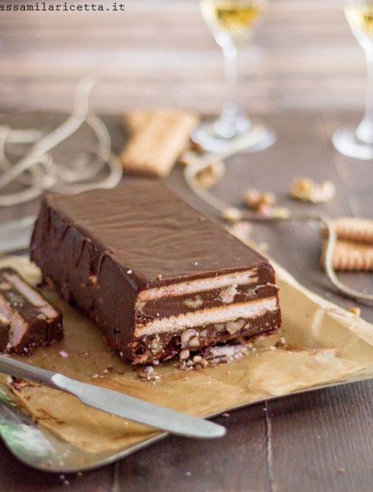 mattonella di cioccolato e biscotti senza cottura