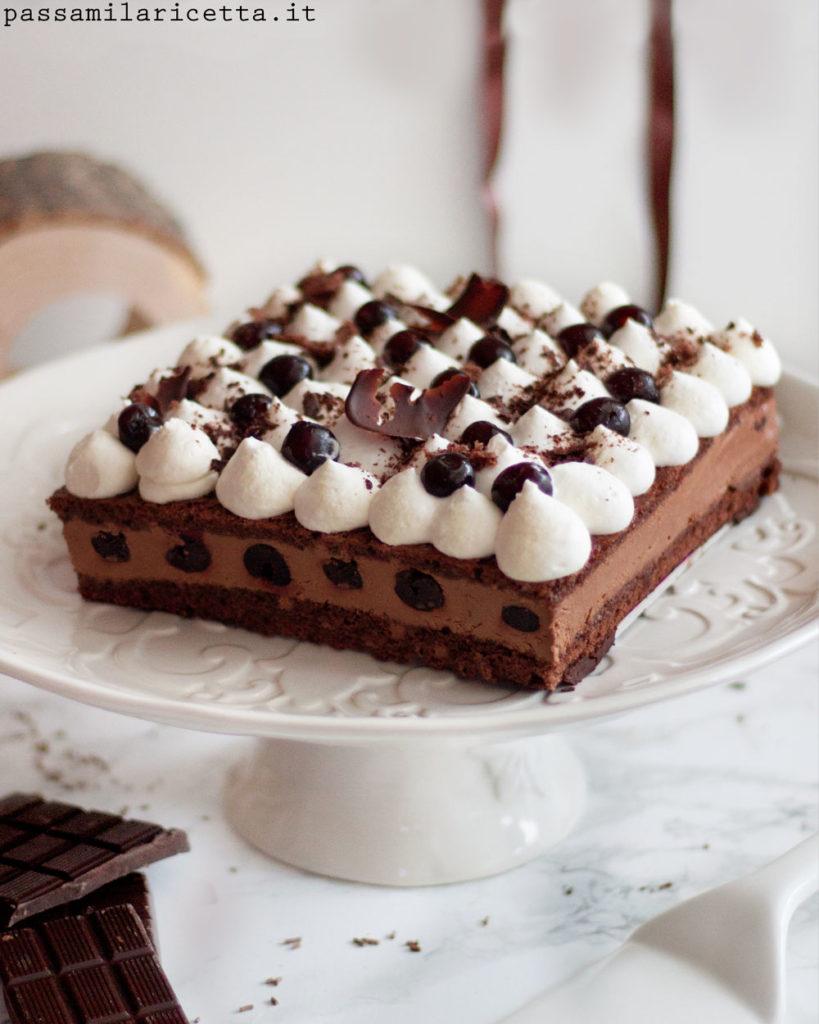 torta foresta nera moderna con bavarese al cioccolato