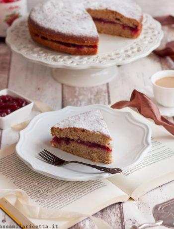 torta di grano saraceno e mirtilli rossi
