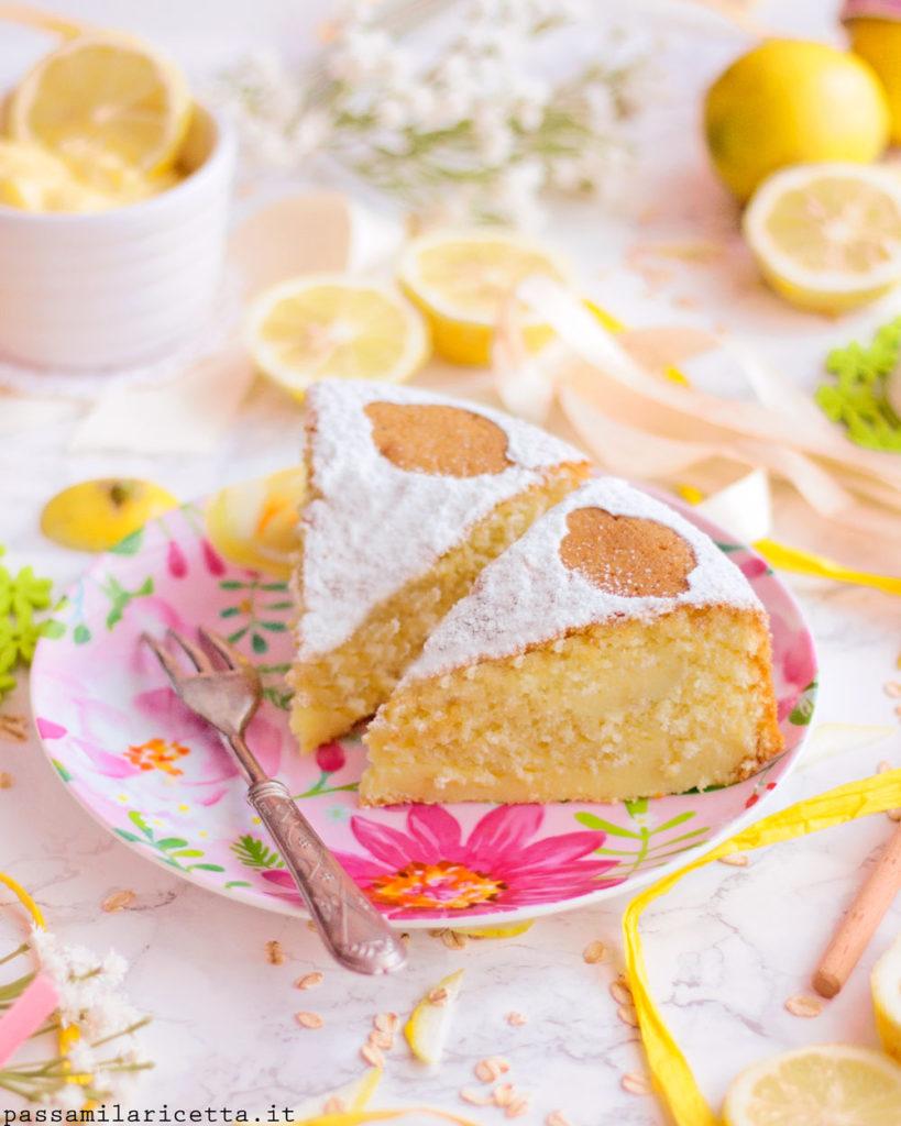 torta soffice al limone senza burro farcita con crema al limone