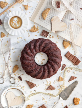 torta all'acqua al cioccolato vegan e soffice