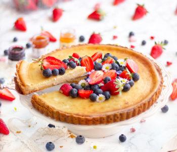 baked cheesecake tart con frolla e frutta fresca