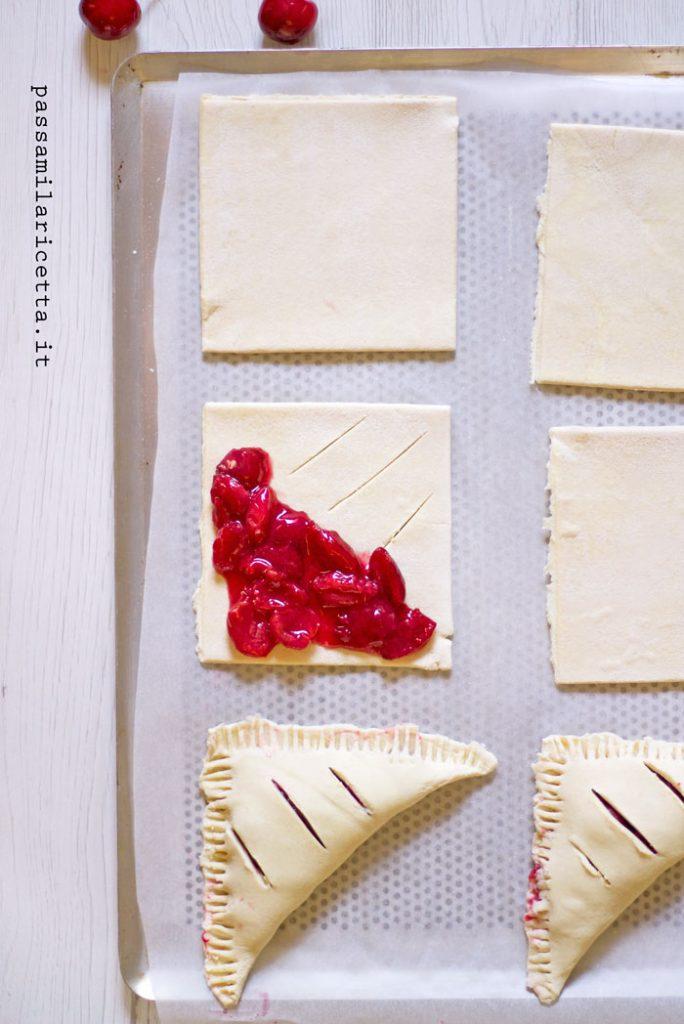 cherry turnovers sfogliatine alle ciliegie