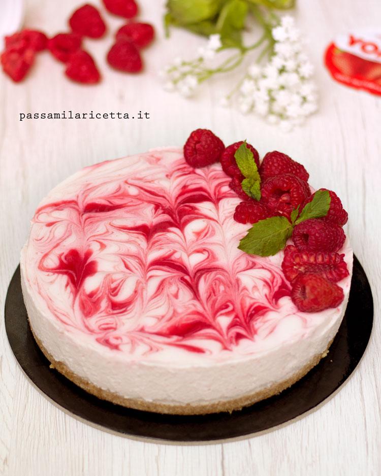 torta fredda allo yogurt e lamponi