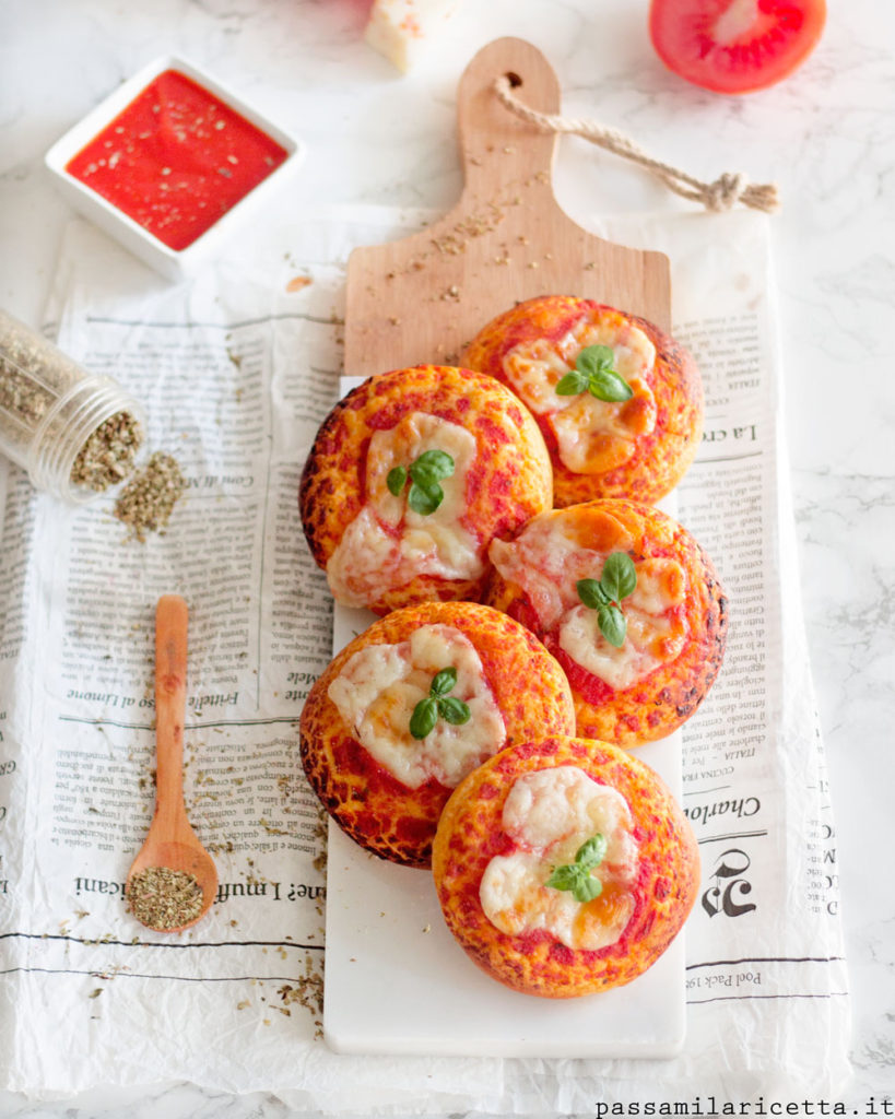 rosticceria siciliana pizzette e calzoni morbidi