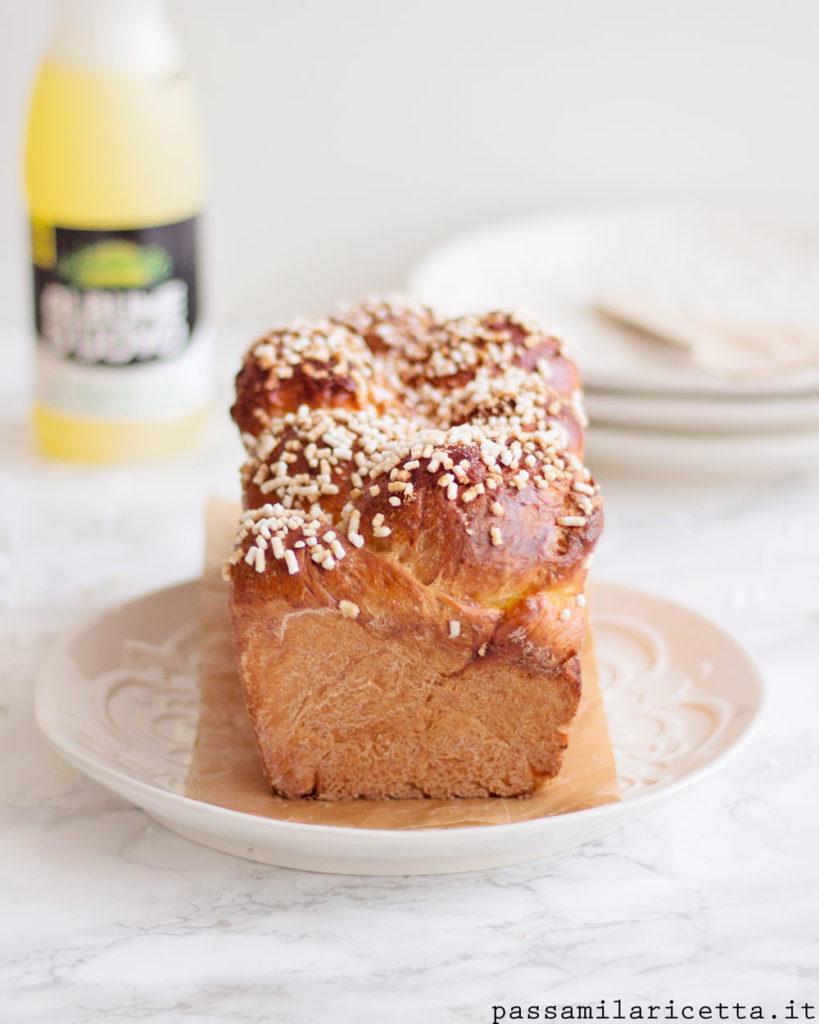 pan brioche con albumi soffice per la colazione