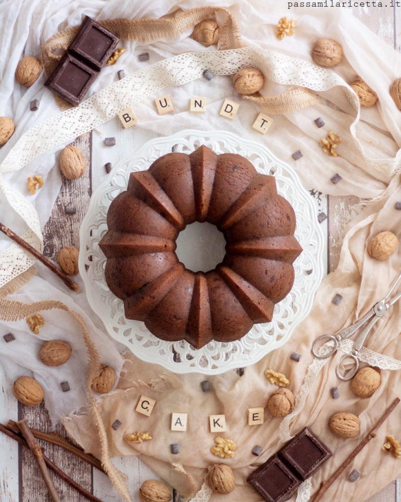bundt cake noci e cioccolato fondente